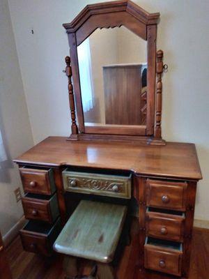 1940's original finish bedroom set for Sale in Oregon City, OR