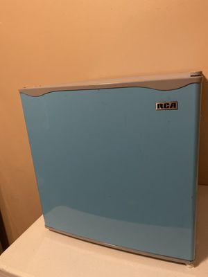 Brand new mini fridge!!!! for Sale in Queens, NY