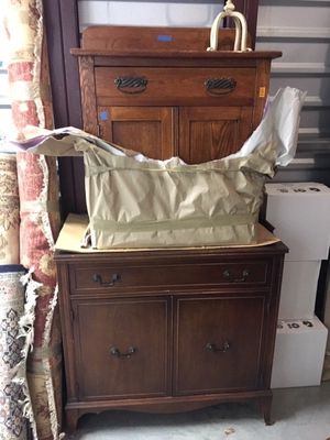 Furniture and antiques for Sale in Paeonian Springs, VA
