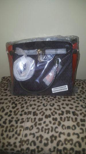 Michael Kors purse 👀 for Sale in Detroit, MI