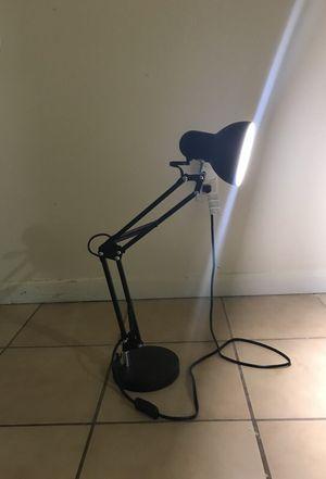 Desk lamp for Sale in Hialeah, FL
