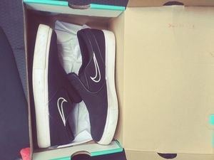 Nike SB Size 6 for Sale in Palm Harbor, FL