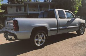 2001 Chevy Silverado AUTOMATIC for Sale in Richmond, VA