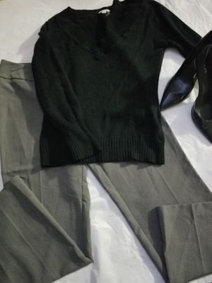 $8 Pants size 12P and sweater size large for Sale in Hemet, CA