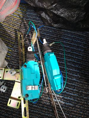 Universal electric door lock actuators for Sale in Dundalk, MD