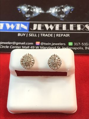10Kt Water drop Gold Diamond ear rings on sale for Sale in Indianapolis, IN