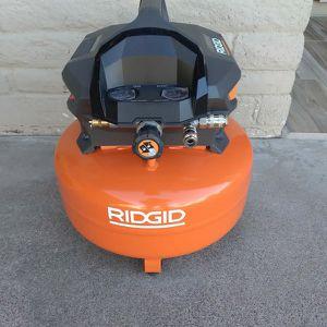 AIR COMPRESSOR RIDGID for Sale in Phoenix, AZ