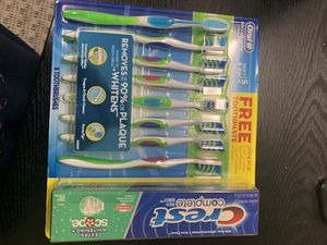 8 pack oral b tooth brush and toothpaste for Sale in Chino Hills, CA