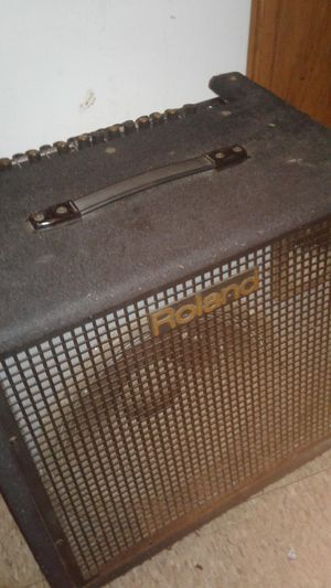 Roland KC-500 Stereo mixing keyboard amplifier for Sale in Pittsburgh, PA