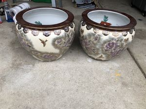 2 Ceramic pots for Sale in Waterford Township, MI