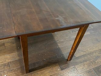 American signature dining table with 4 chair ( Leather Cusion) for Sale in Franklin,  TN