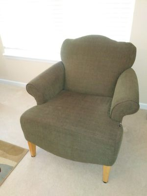 Dark green comfy lounge side chair for sale for Sale in St. Louis, MO