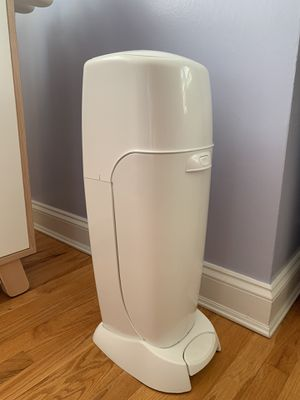 Playtex Diaper pails Genie Complete with 3 refill for Sale in Stamford, CT
