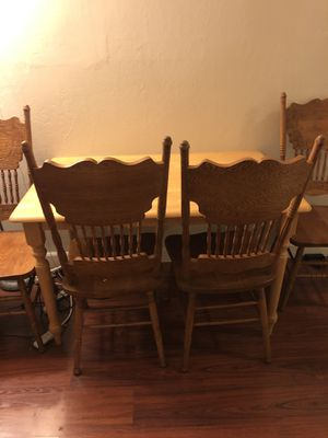 Small kitchen table + chairs for Sale in San Jose, CA
