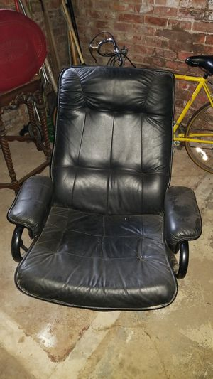 Recliner chair for Sale in Detroit, MI
