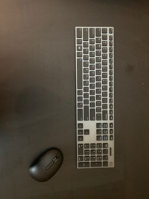Dell KM717 wireless multi pairing keyboard and mouse for Sale in Round Rock, TX