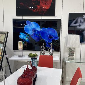 "Cuadro De Glass 60"" X 36"" for Sale in Hialeah, FL"