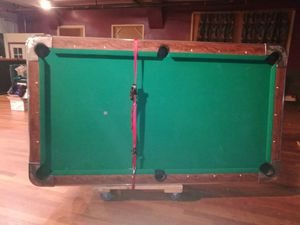 8 Foot Pool Table for Sale in Roy, WA