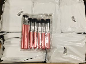 Brand New Lot - On Sale Today ONLY! - 95 Kabuki Makeup Brush Kits - 8 and 10 piece Brush Sets - Black/Pink/Natural - Individually Packaged - NEW!!! for Sale in Temple City, CA