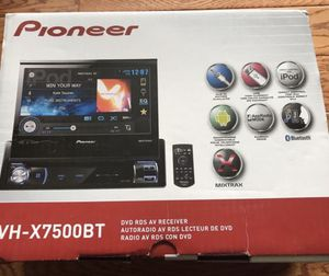 Pioneer AVH-X7500BT 7' Touchscreen Car Monitor DVD CD Receiver for Sale in Fort Meade, MD