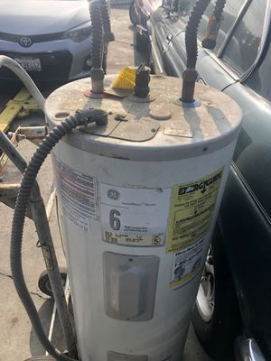 Water heater 30 gallon electric for Sale in Los Angeles, CA