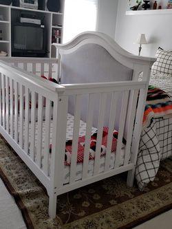 3 In 1 Crib, Toddler Bed Rail, Memory Foam Mattress, 2 Mattress Pads for Sale in Vienna,  VA