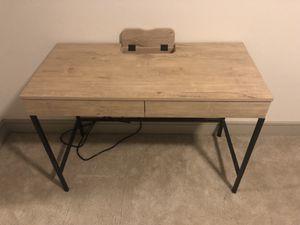 Like new desk for Sale in Houston, TX