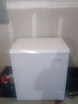 Haier thermocool chest freezer for Sale in Hiram, GA