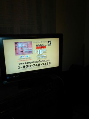 32 inch Emerson tv for sale good condition with remote control for Sale in Cleveland, OH