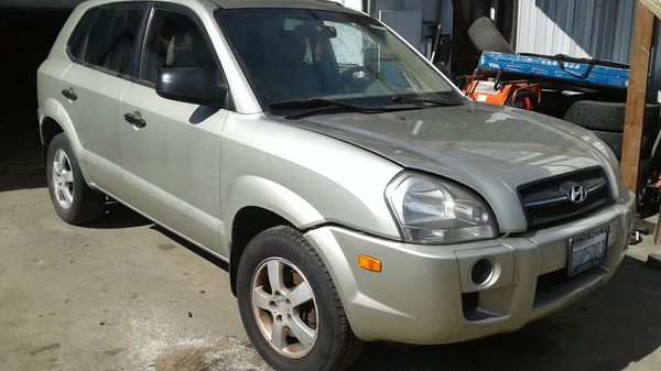 Parting Out - 2008 Hyundai Tucson, FWD, MT 2.0