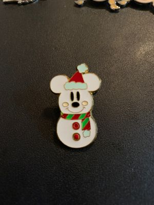 Disney Official Trading Pin Mickey Snowman Christmas Pin for Sale in Davenport, FL