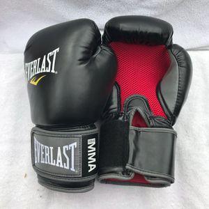 Black 14oz Everlast pro boxing gloves for Sale in Montebello, CA