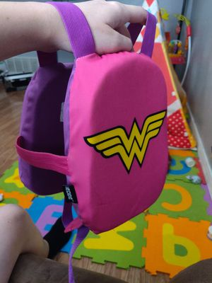 Edge wonderwomen kids swim trainer size s/m for Sale in San Antonio, TX