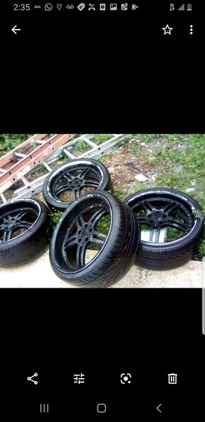 20 inch staggered wheels rim needs paint for Sale in Hollywood, FL