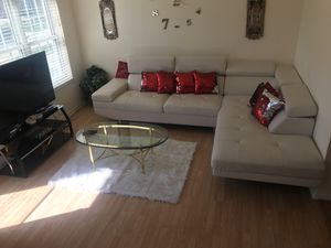 White leather couch for Sale in Sterling Heights, MI