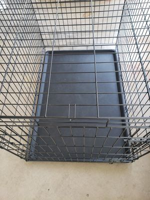 Euc- 42in Single Door Folding Metal Dog Crate Fully Equipped for Sale in Phoenix, AZ