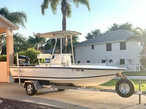 2000 21ft Robalo with 200hp Mercury EFI Salt water for Sale in Clermont, FL