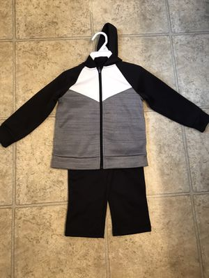 Boys 2T 2-Piece Outfit for Sale in Mt. Juliet, TN