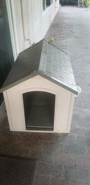 Dog house $25 for Sale in Santa Ana, CA