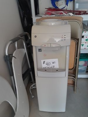 Hot n cold water dispenser for Sale in Auburn, IN