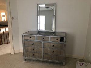 Dresser for Sale in Laurel, MD
