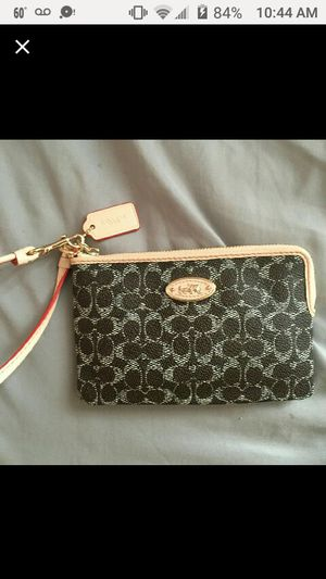 🆕COACH Wristlet WALLET for Sale in Schaumburg, IL