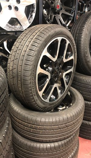 """19"""" Jeep Compass wheels and tires new take off for Sale in Warren, MI"""