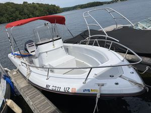 2001 triumph center console with Yamaha 150 out board for Sale in Yorktown Heights, NY