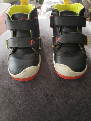 PLAE toddler shoes size 10 for Sale in Skokie, IL