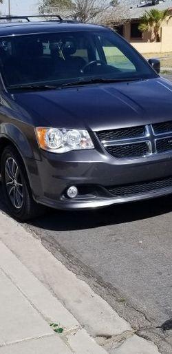 2017 Dodge Grand Caraban SXT for Sale in Las Vegas,  NV