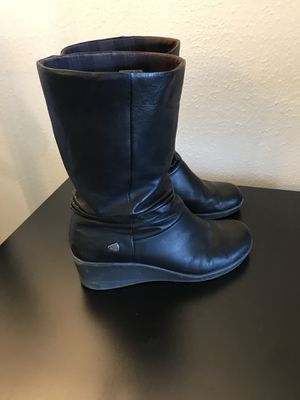 Women's Pre-Owned Black Leather Keen 'Kate' Slouch Wedge Rain Boots Size 10.5 for Sale in Kirkland, WA