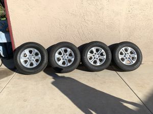 265/70R17 Tires & Toyota 4Runner 19 Stock Rims for Sale in Spring Valley, CA