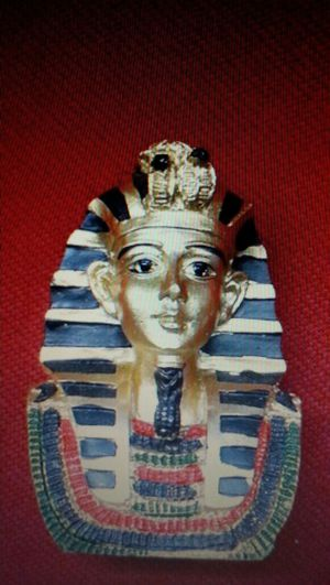 PHARAOH GOLDEN FIGURE HOME DECOR COLLECTIBLE STATUE NEW for Sale in Richardson, TX