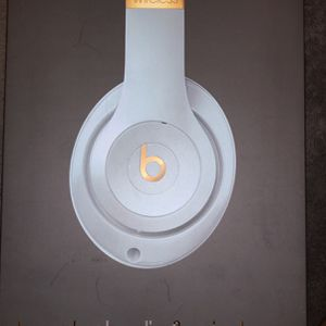 Beats Studio 3 Wireless Skyline Collection for Sale in Tampa, FL